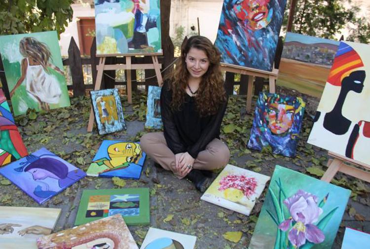 Her Kadın Bir ülkedir Urfada Kobanili Bir Ressam Gazete Karınca