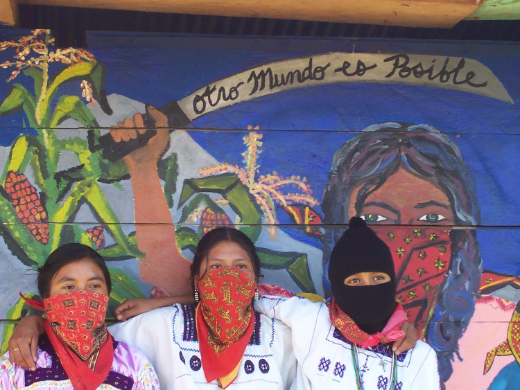 39 zapatista kad nlar n n hik yesi compa eras 39 n yazar for Mural zapatista
