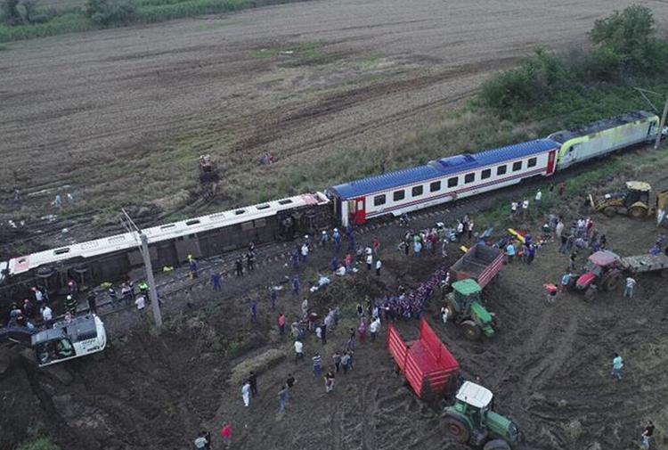 Tcdd çorludaki Tren Kazasında Kusurumuz Yok Gazete Karınca
