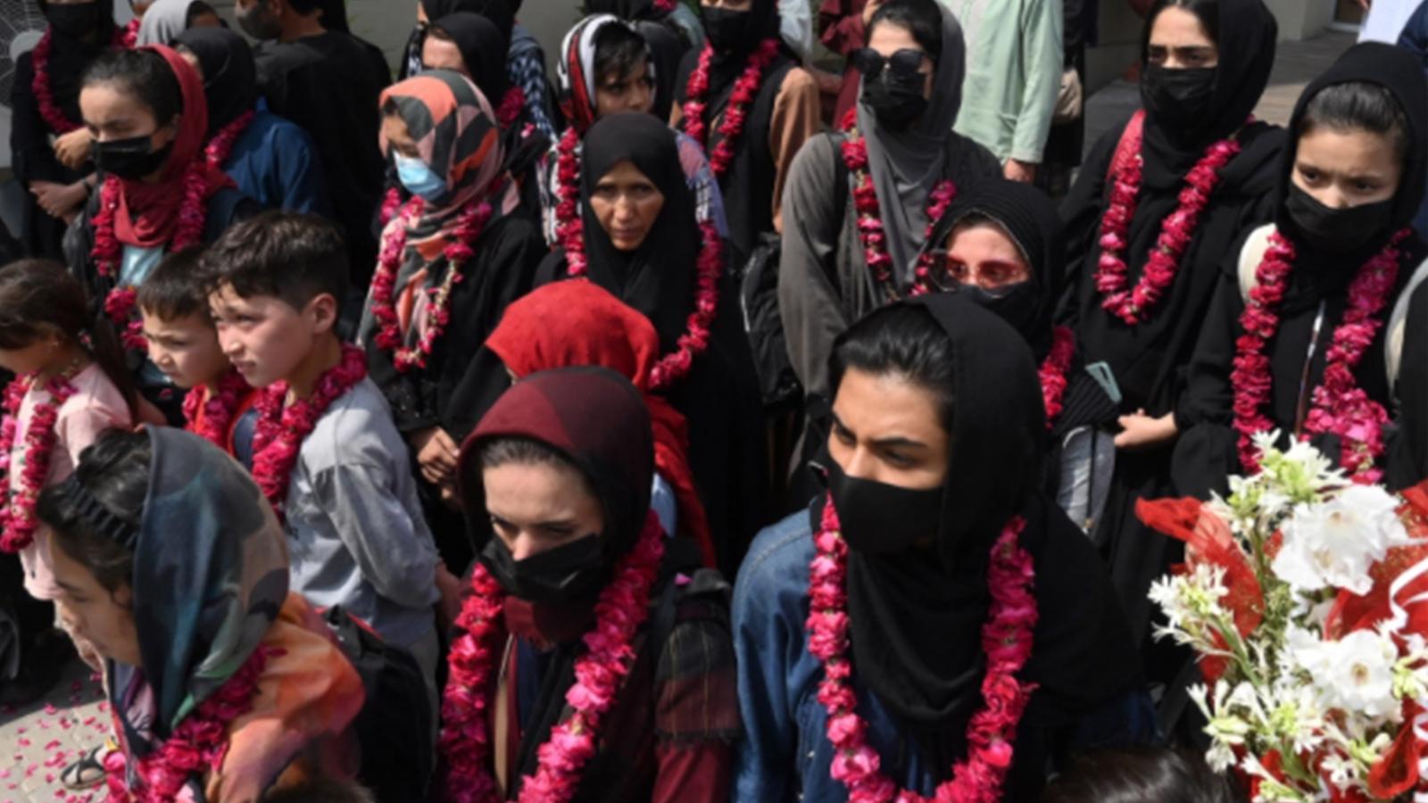 Taliban'dan kaçan kadın futbol takımı Pakistan'a ulaştı