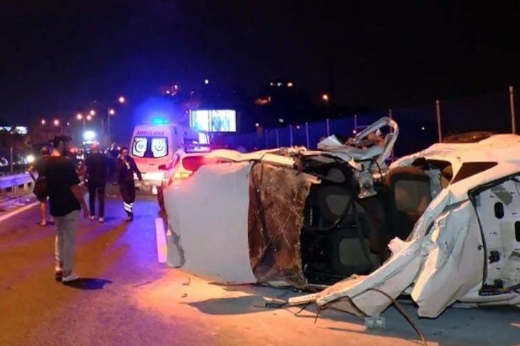 İstanbul'da trafik kazası: Üç ölü