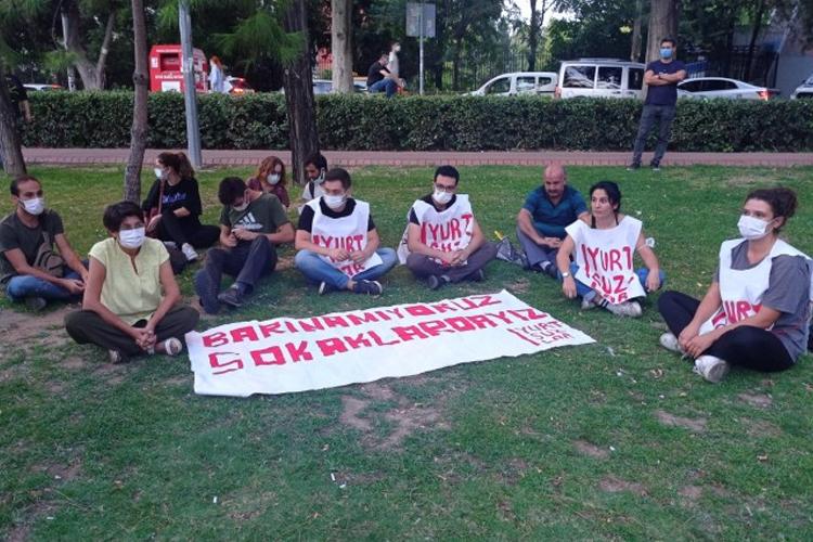 İzmir'de de 'Yurtsuzlar' eylem başlattı: Barınamıyoruz sokaklardayız