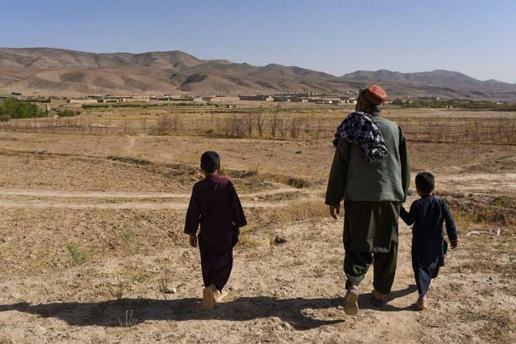 AB'den Afganistan'a 1 milyar euroluk insani yardım