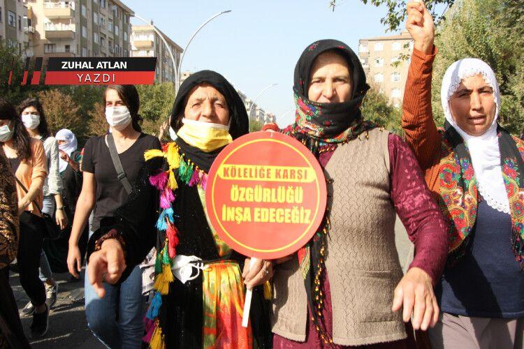 Diyarbakır'daki kadın mitingi ve göremedikleriniz: Ayakkabılar çıkartıldı, ince arama yapıldı